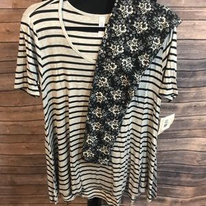 Lularoe S perfect tee with OS leggings